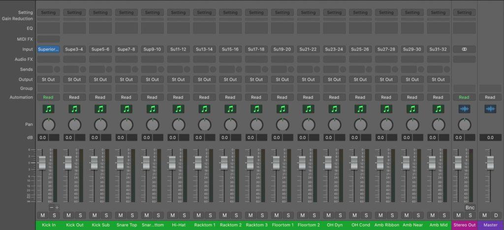 Logic Pro Mixer画面